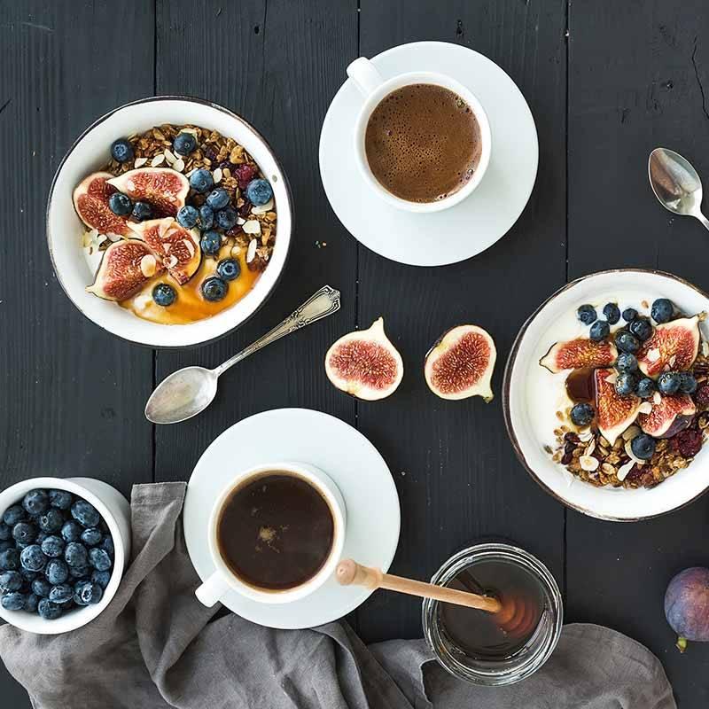 Fit in den Tag – mit Bewegung, Frühstück, Protein, Kaffee & Co.